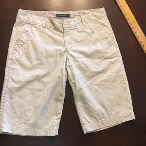Eddie Bauer Khaki Bermuda shorts
